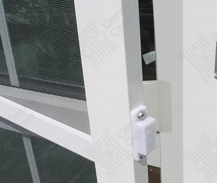 Дверные рамочные сетки на поворотных петлях